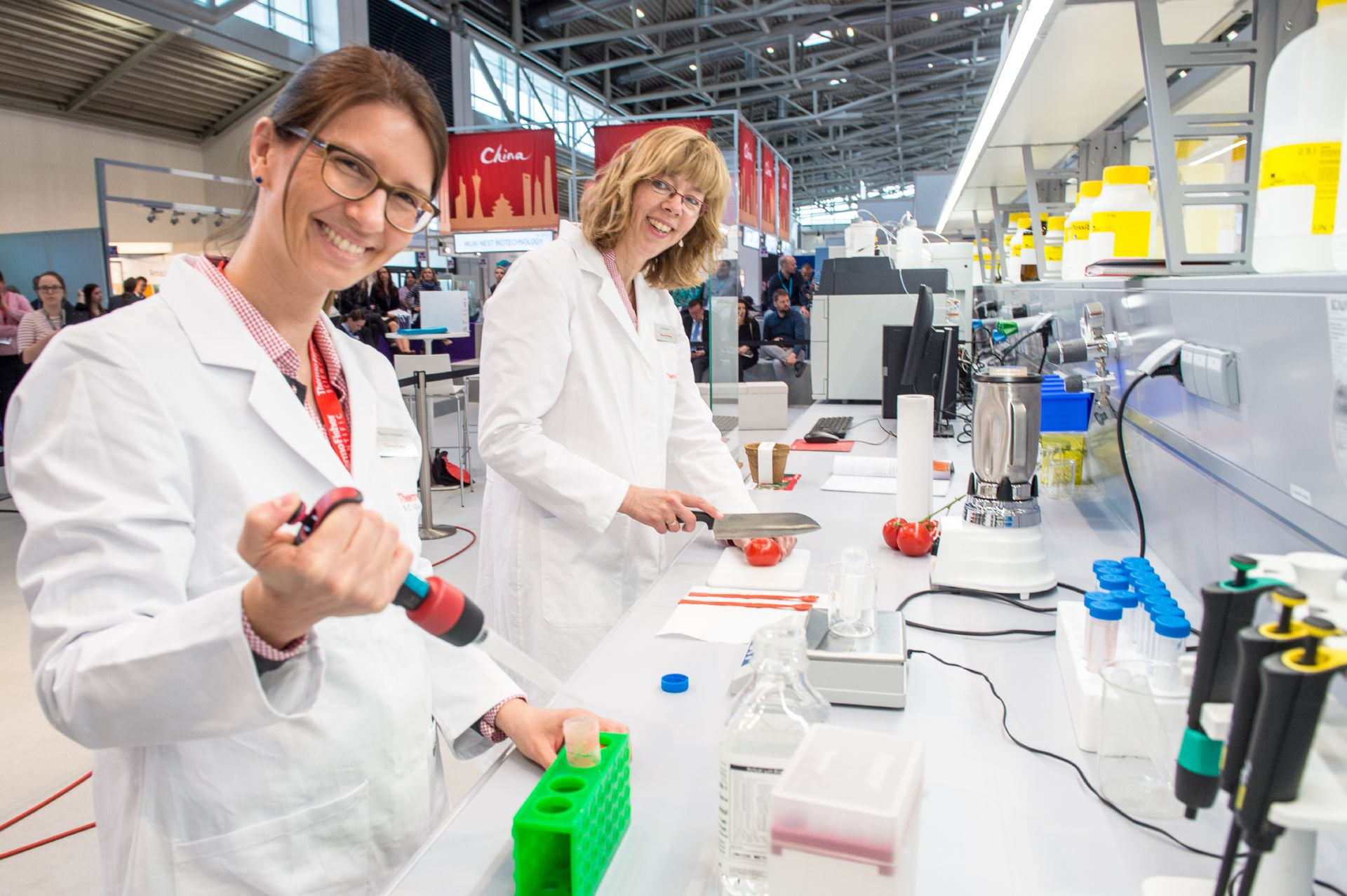 Once again, daily live demonstrations at our completely equipped laboratories are a popular visitor attraction at analytica 2018
