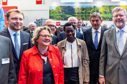 IFAT 2018 minister tour with mit Grenn Tech Award winner Auma Obama
