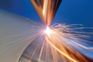 Ultra-high-speed laser material deposition (EHLA) at the Fraunhofer ILT