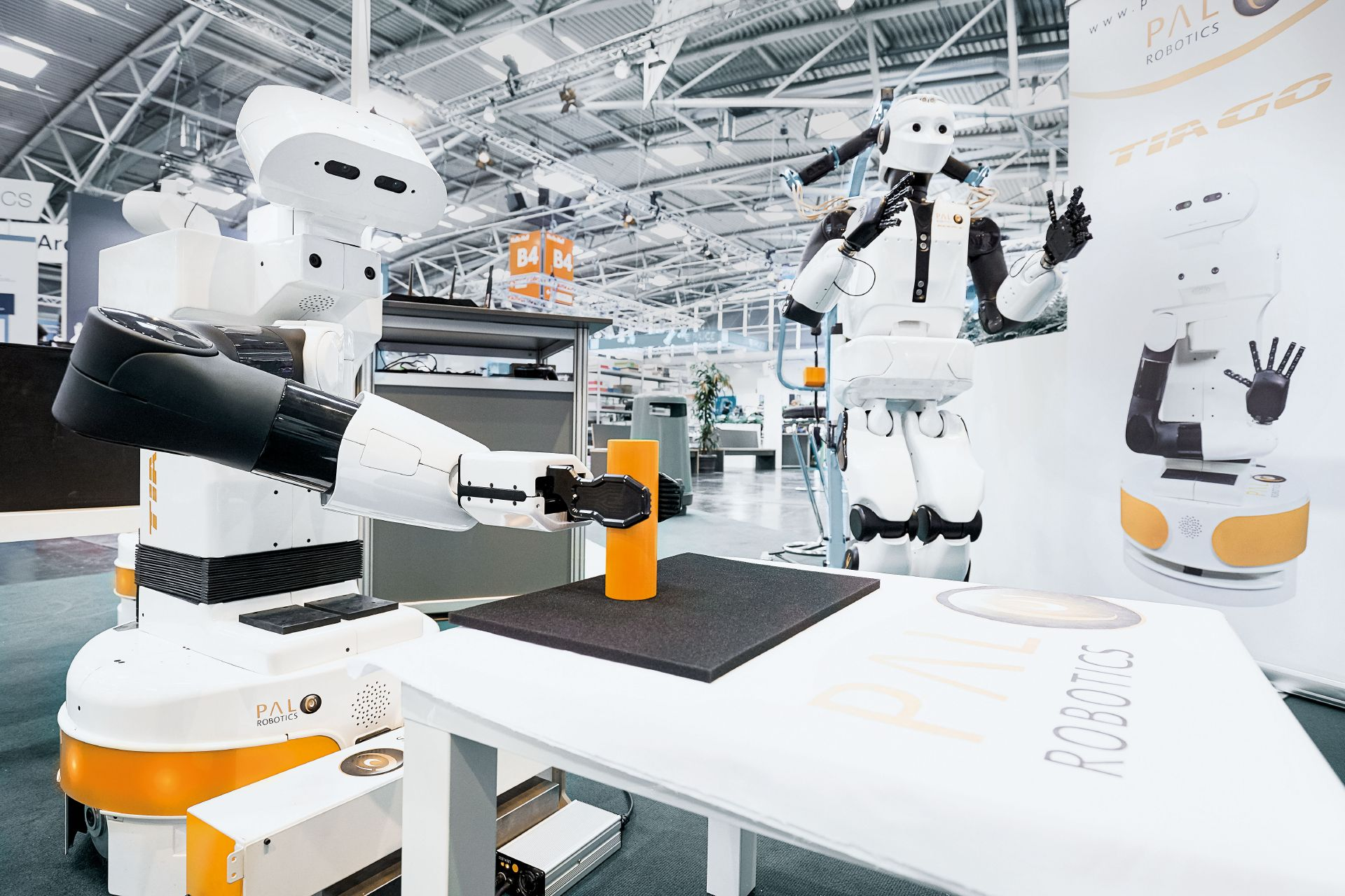 Service robotics is booming. From trend to innovation driver.